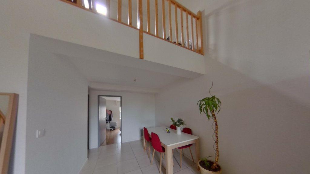 Appartement à louer 3 74m2 à Nay vignette-1