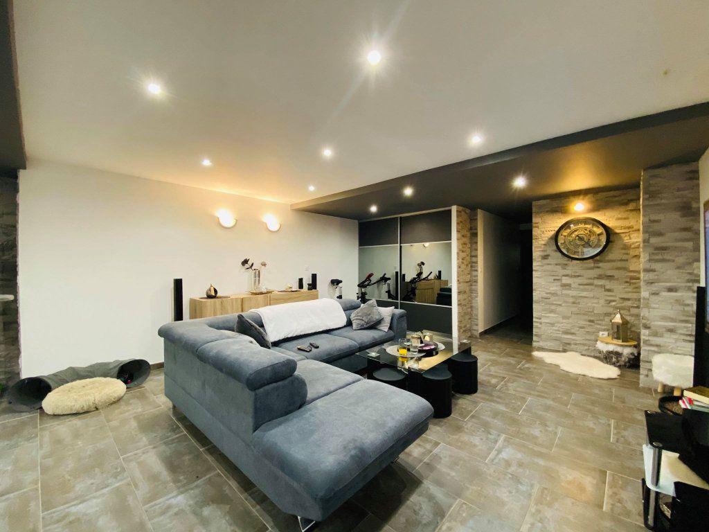 Appartement à vendre 3 103m2 à Vals-les-Bains vignette-4