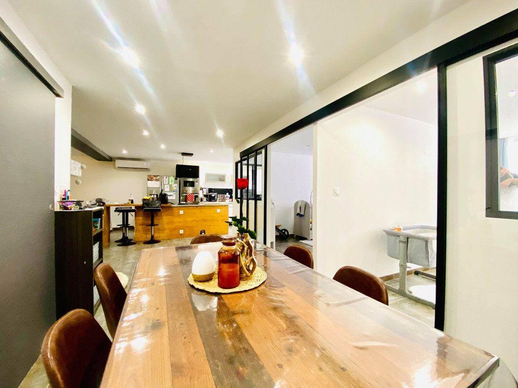 Appartement à vendre 3 103m2 à Vals-les-Bains vignette-5