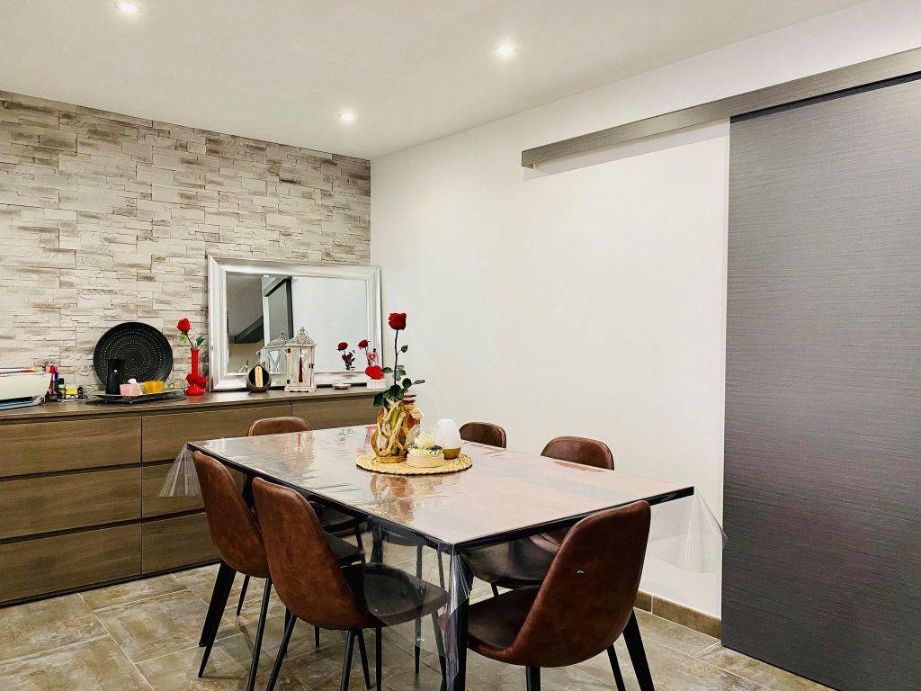 Appartement à vendre 3 103m2 à Vals-les-Bains vignette-6