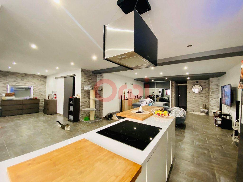 Appartement à vendre 3 103m2 à Vals-les-Bains vignette-7