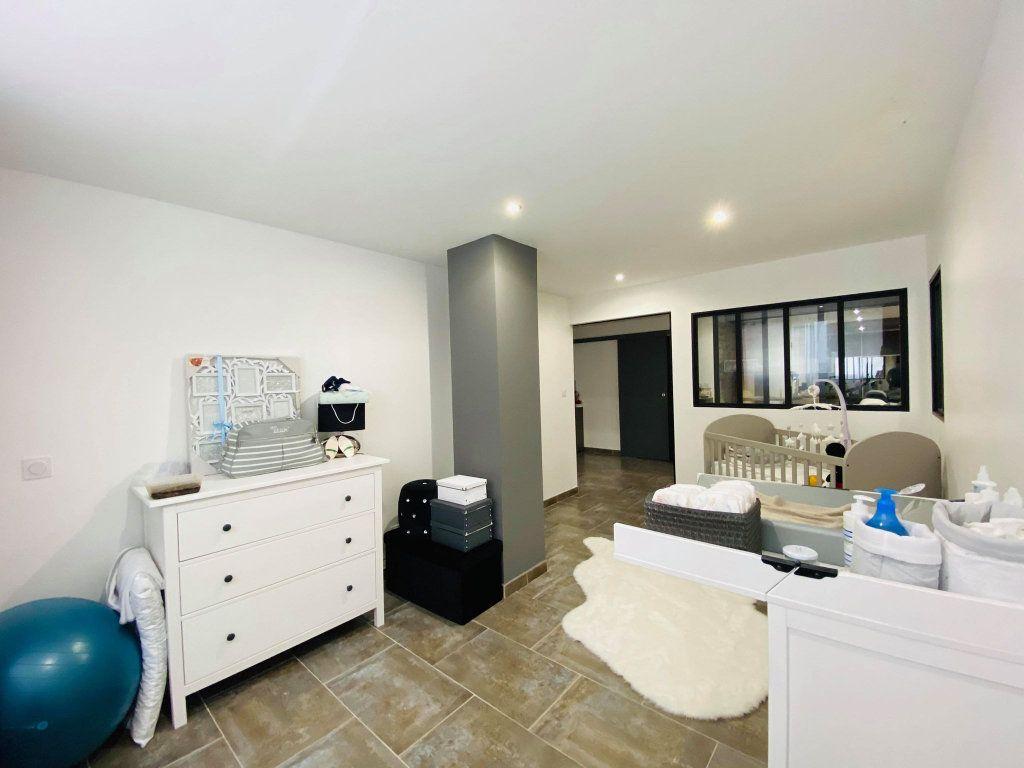 Appartement à vendre 3 103m2 à Vals-les-Bains vignette-10
