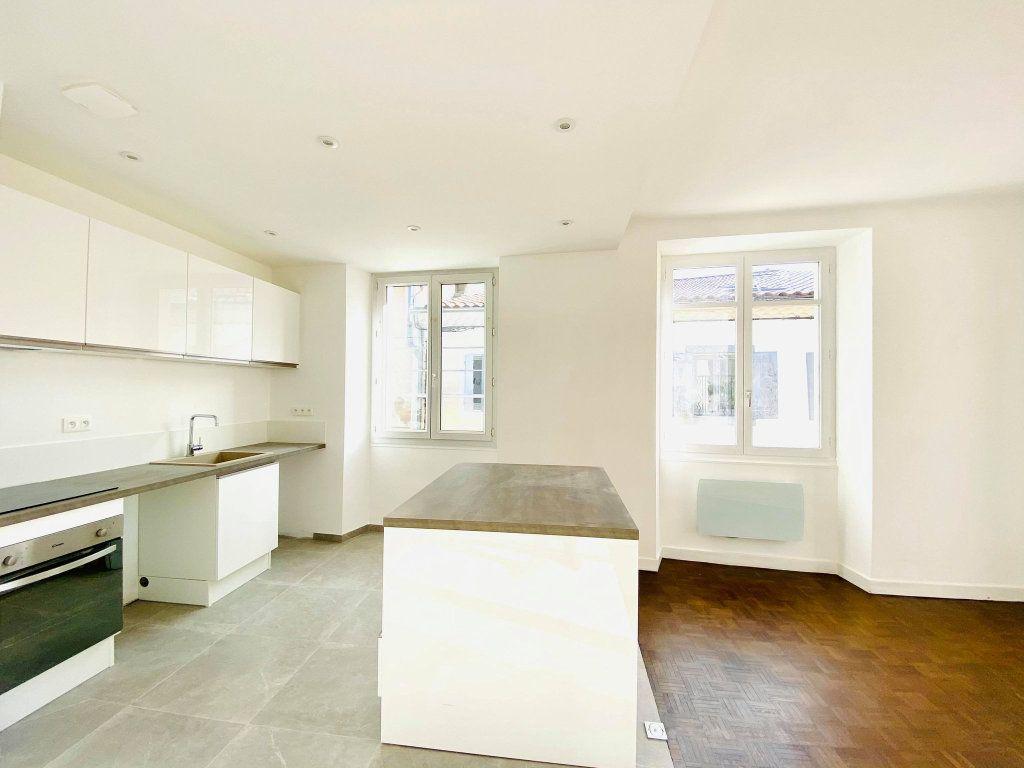 Appartement à vendre 4 90m2 à Aubenas vignette-5