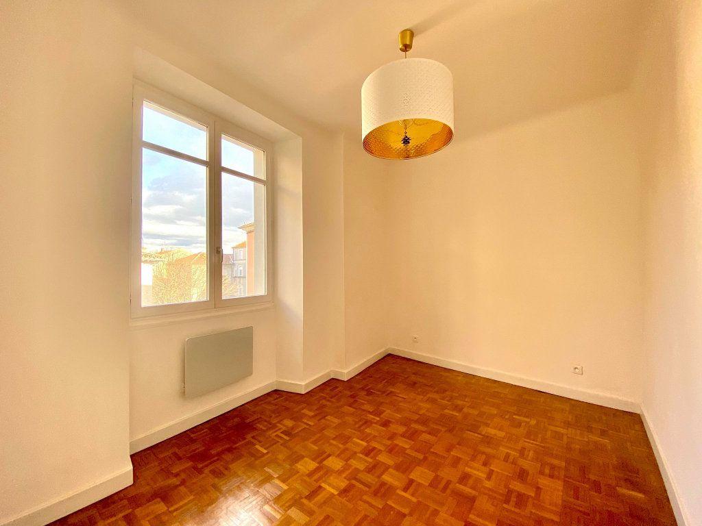 Appartement à vendre 4 90m2 à Aubenas vignette-7