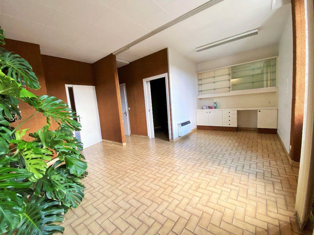 Maison à vendre 5 115m2 à Ucel vignette-3