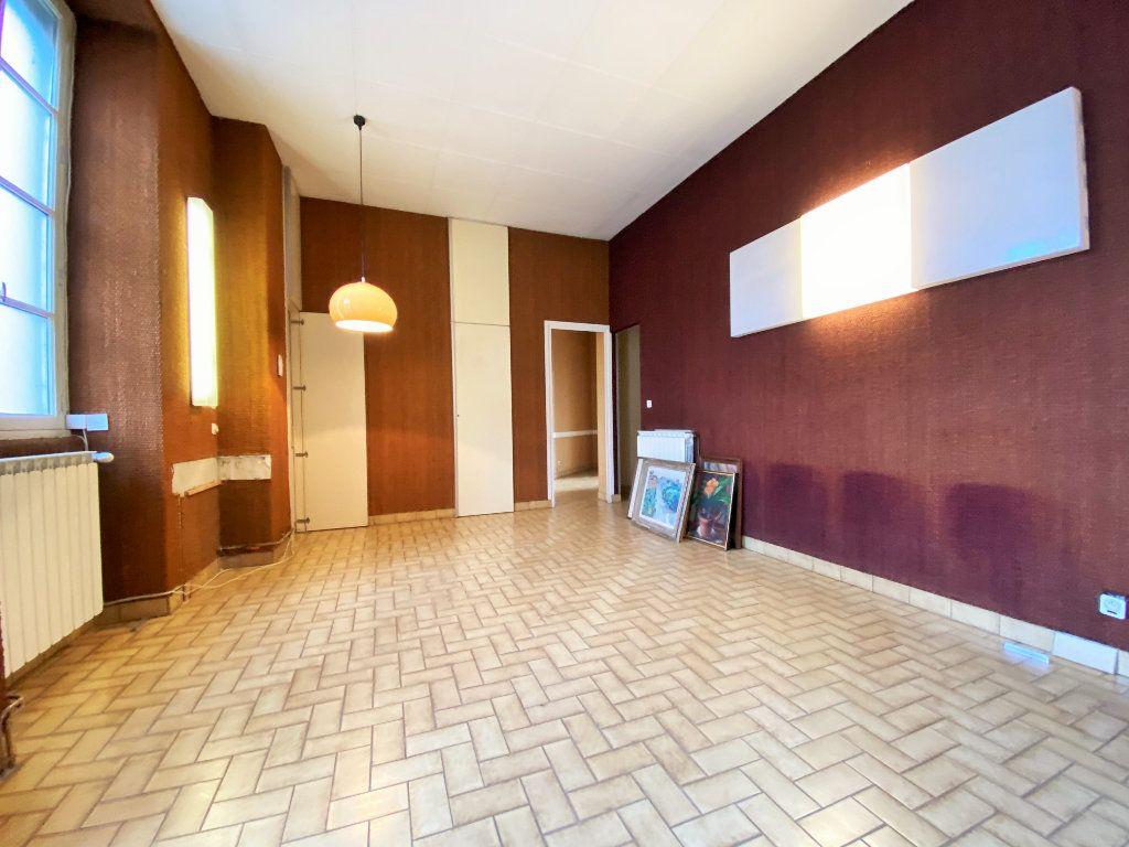 Maison à vendre 5 115m2 à Ucel vignette-5