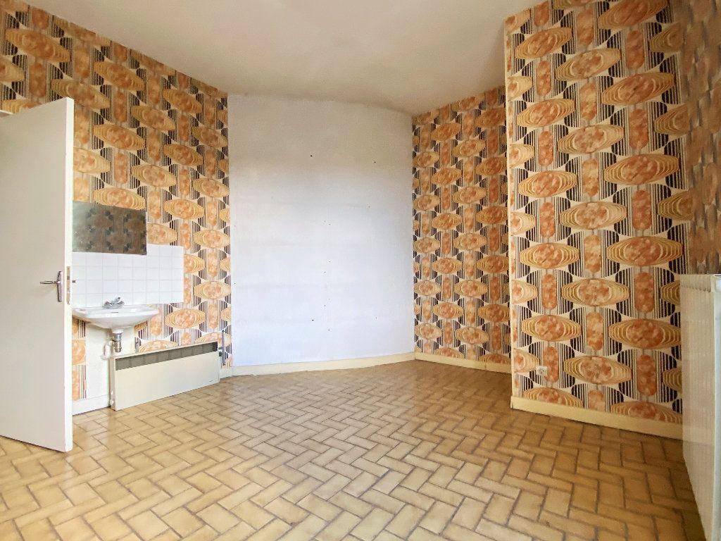 Maison à vendre 5 115m2 à Ucel vignette-6