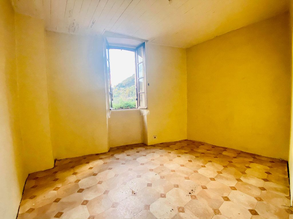 Maison à vendre 3 55m2 à Vals-les-Bains vignette-3