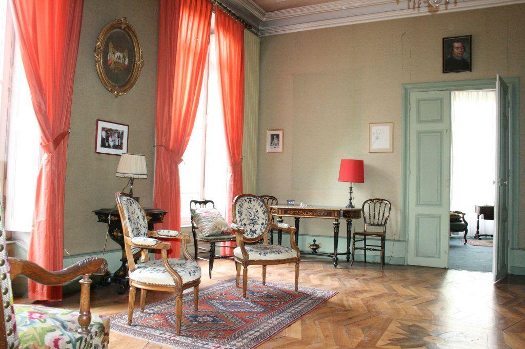 Maison à vendre 29 1109m2 à Aubenas vignette-9