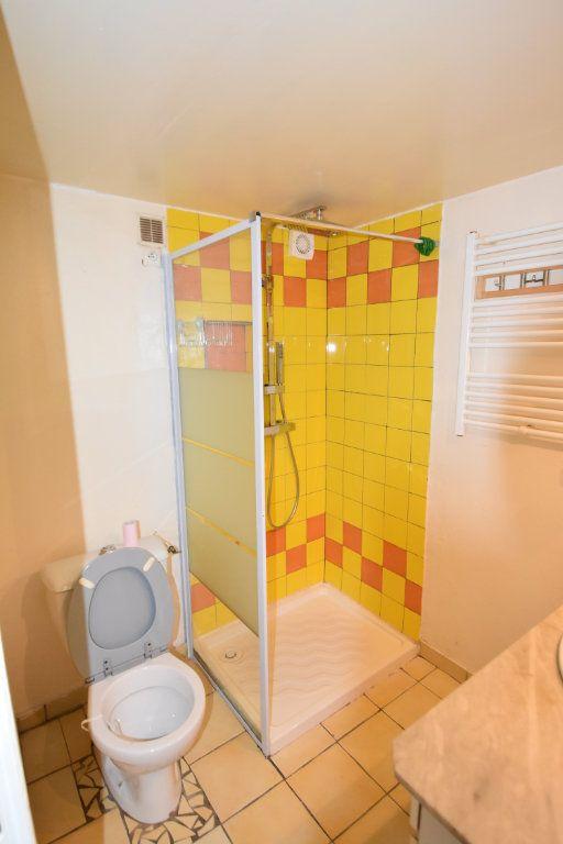 Appartement à vendre 4 54m2 à Saint-Sernin vignette-3