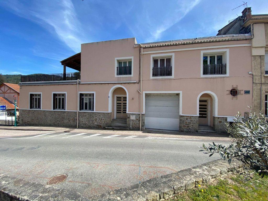 Immeuble à vendre 0 350m2 à Vals-les-Bains vignette-1