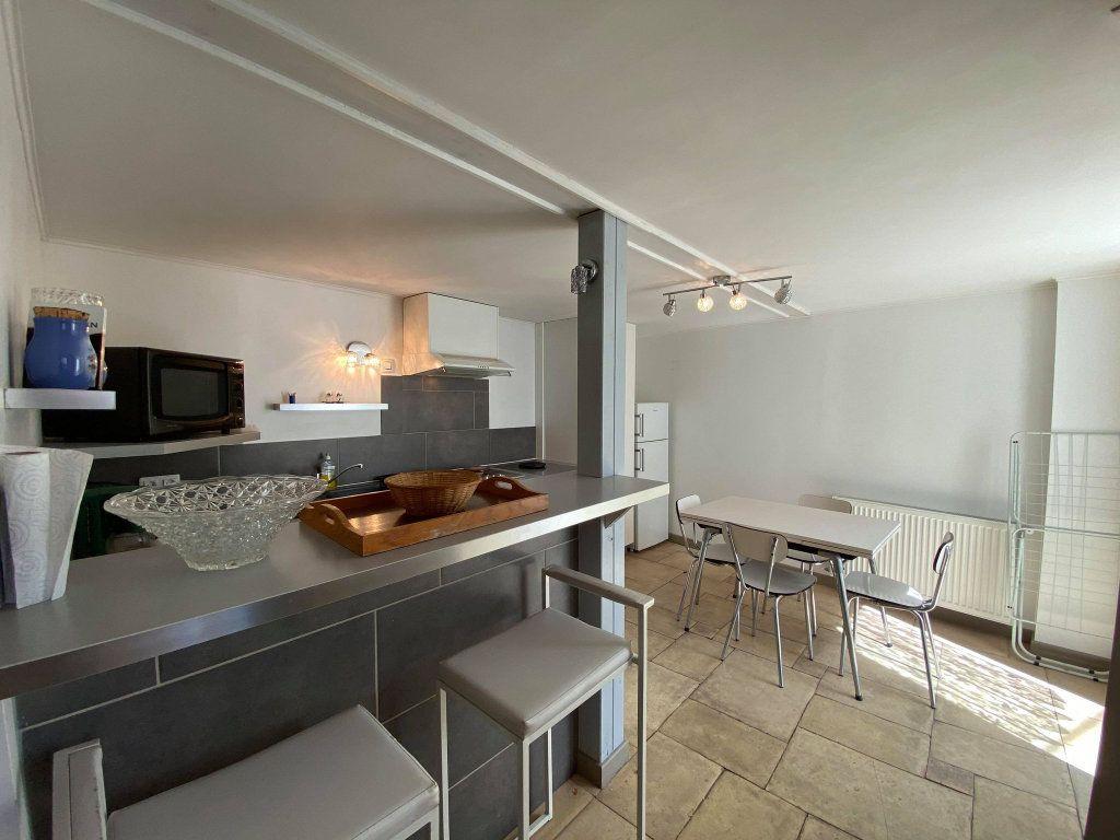 Immeuble à vendre 0 350m2 à Vals-les-Bains vignette-3