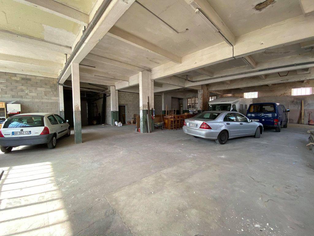 Immeuble à vendre 0 350m2 à Vals-les-Bains vignette-4