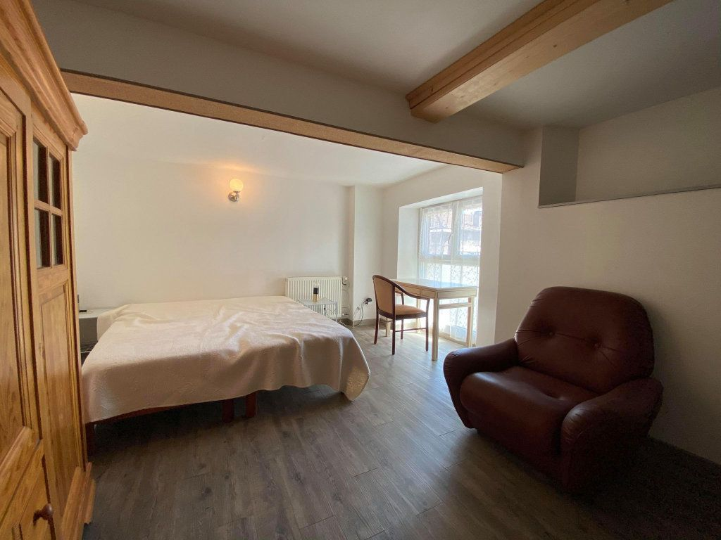 Immeuble à vendre 0 350m2 à Vals-les-Bains vignette-15
