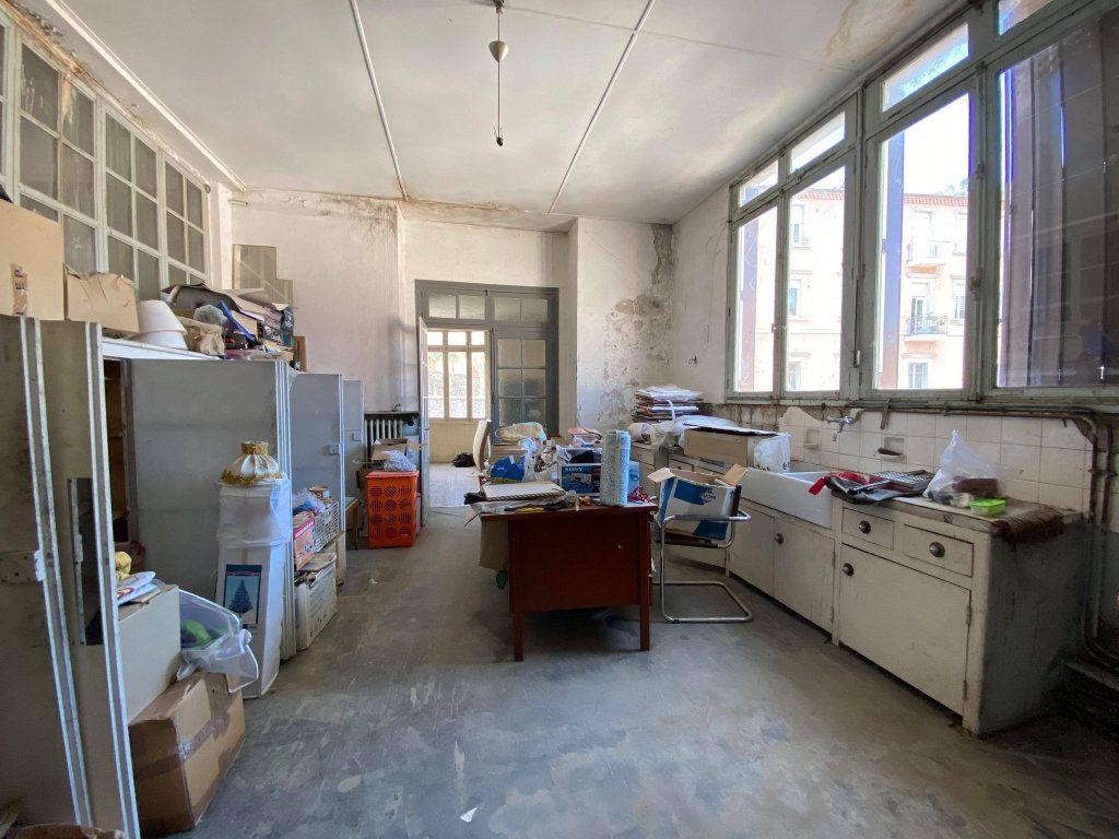 Immeuble à vendre 0 350m2 à Vals-les-Bains vignette-17