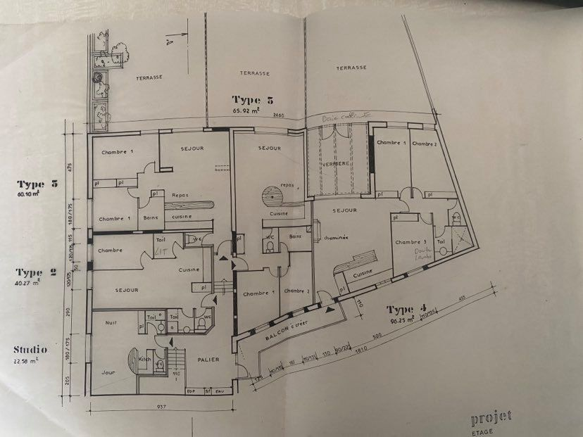 Immeuble à vendre 0 350m2 à Vals-les-Bains vignette-18
