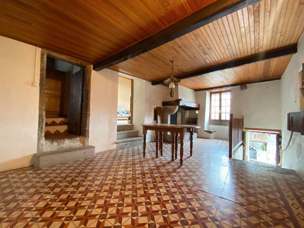 Maison à vendre 9 130m2 à Lavilledieu vignette-1
