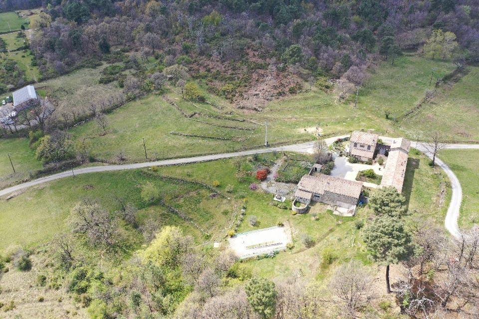 Maison à vendre 35 295m2 à Sanilhac vignette-12
