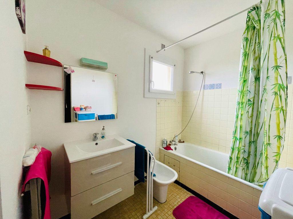 Appartement à vendre 4 91m2 à Aubenas vignette-5
