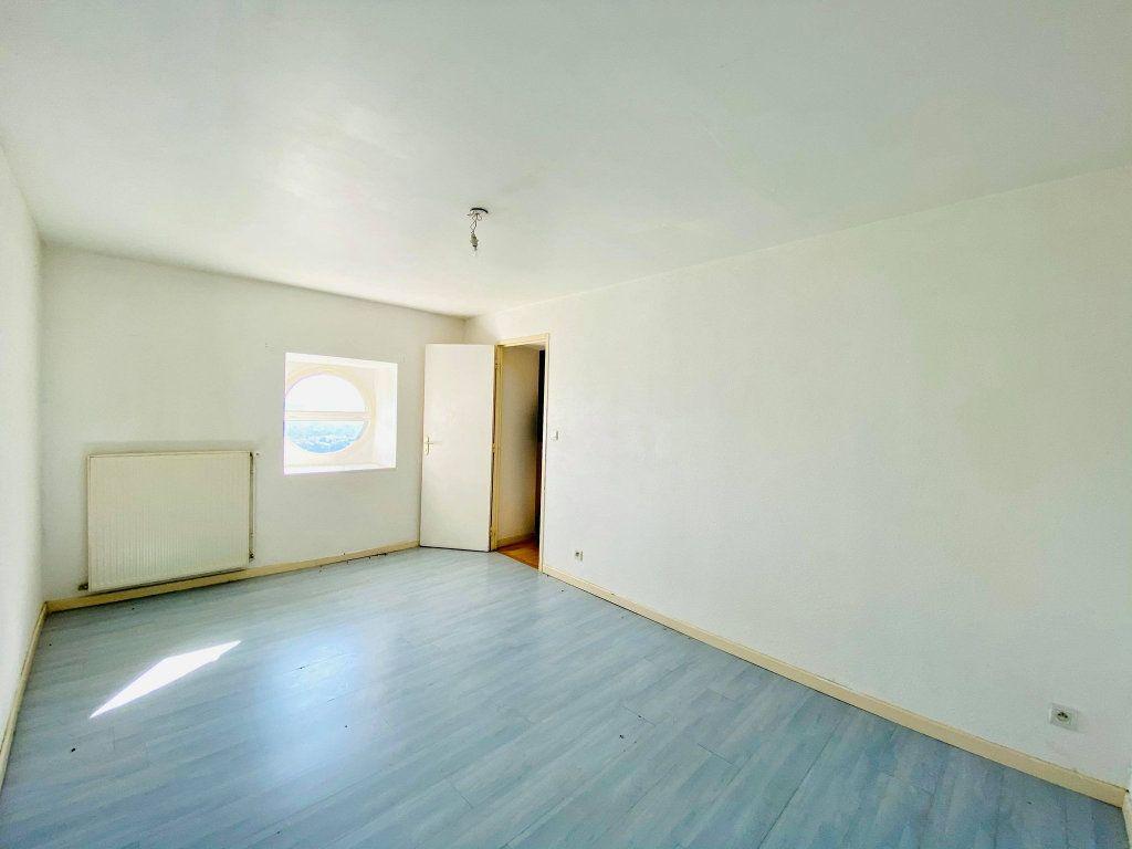 Appartement à vendre 3 70m2 à Aubenas vignette-6