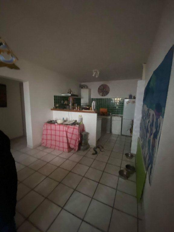 Appartement à vendre 3 65m2 à Aubenas vignette-3