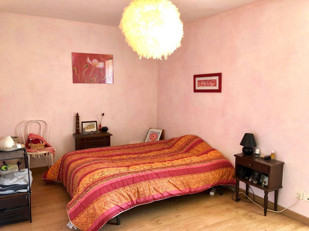Maison à vendre 9 164.5m2 à Grospierres vignette-12