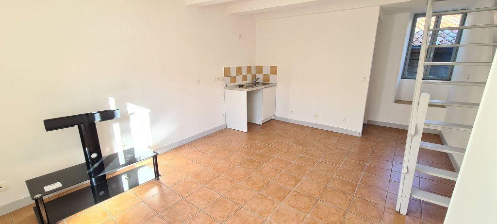 Appartement à louer 2 38.5m2 à Aubenas vignette-2