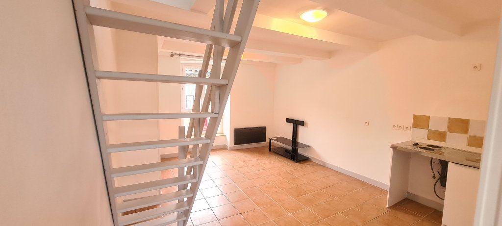 Appartement à louer 2 38.5m2 à Aubenas vignette-8
