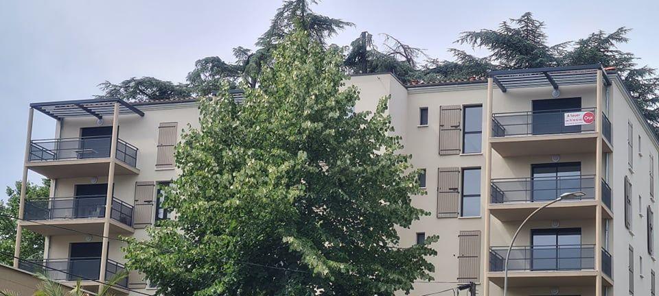 Appartement à louer 4 84.35m2 à Aubenas vignette-1