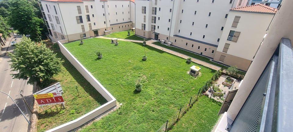 Appartement à louer 4 84.35m2 à Aubenas vignette-2