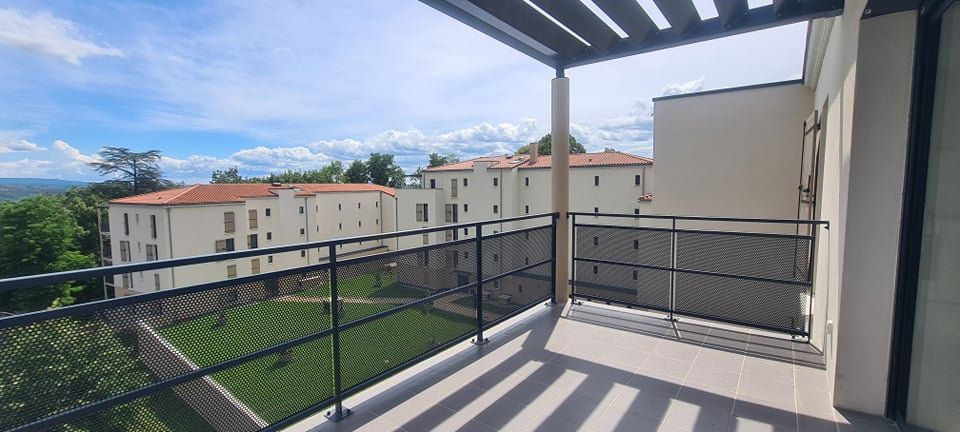 Appartement à louer 4 84.35m2 à Aubenas vignette-5