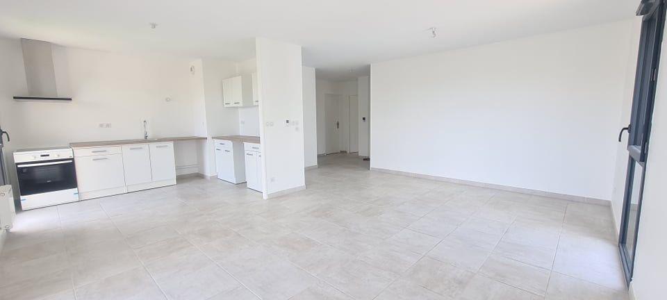 Appartement à louer 4 84.35m2 à Aubenas vignette-7