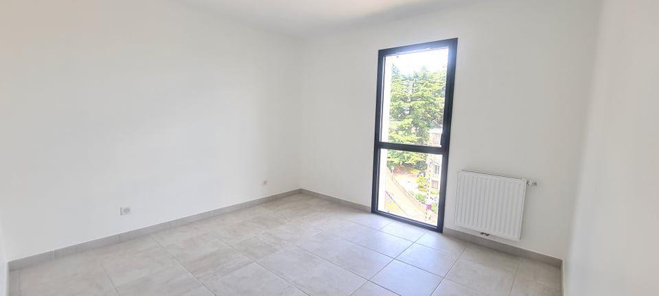 Appartement à louer 4 84.35m2 à Aubenas vignette-13