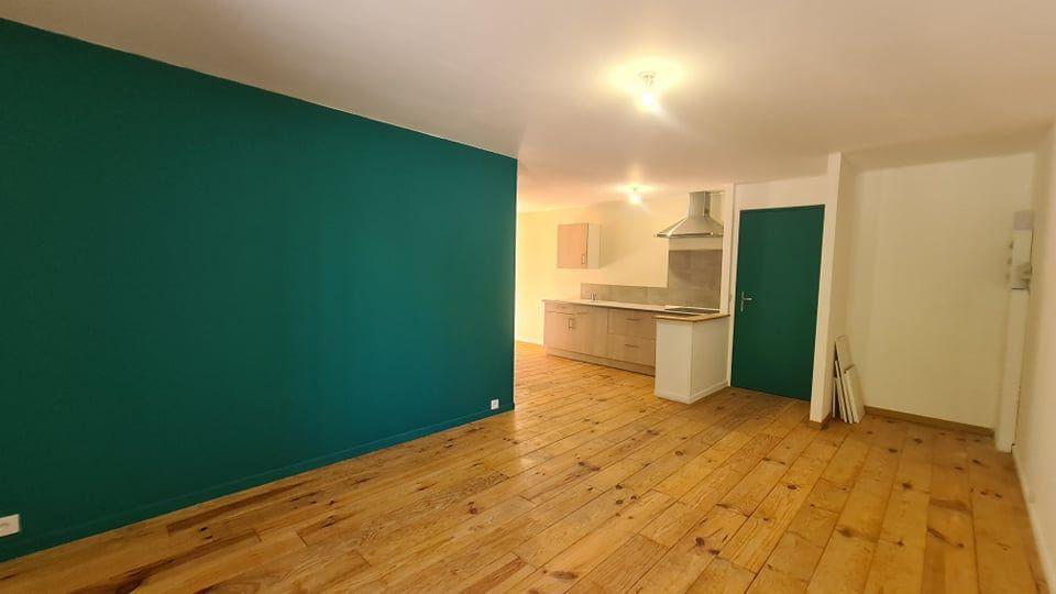 Appartement à louer 4 73.34m2 à Largentière vignette-5