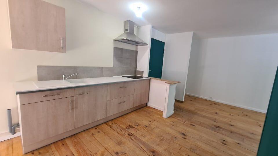 Appartement à louer 4 73.34m2 à Largentière vignette-6