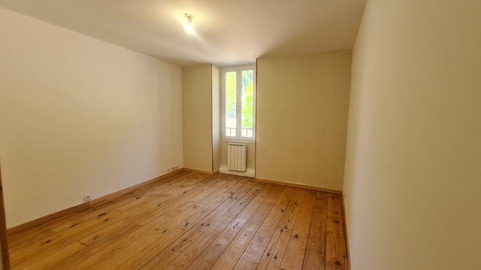 Appartement à louer 4 73.34m2 à Largentière vignette-9