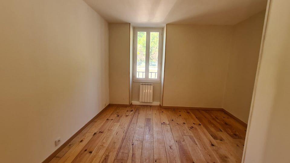 Appartement à louer 4 73.34m2 à Largentière vignette-10