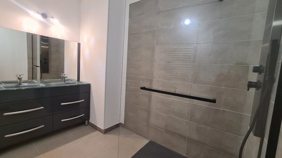 Appartement à louer 4 73.34m2 à Largentière vignette-11