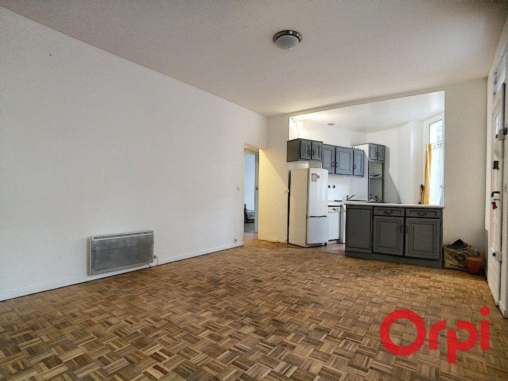 Appartement à vendre 4 66.05m2 à Issy-les-Moulineaux vignette-1