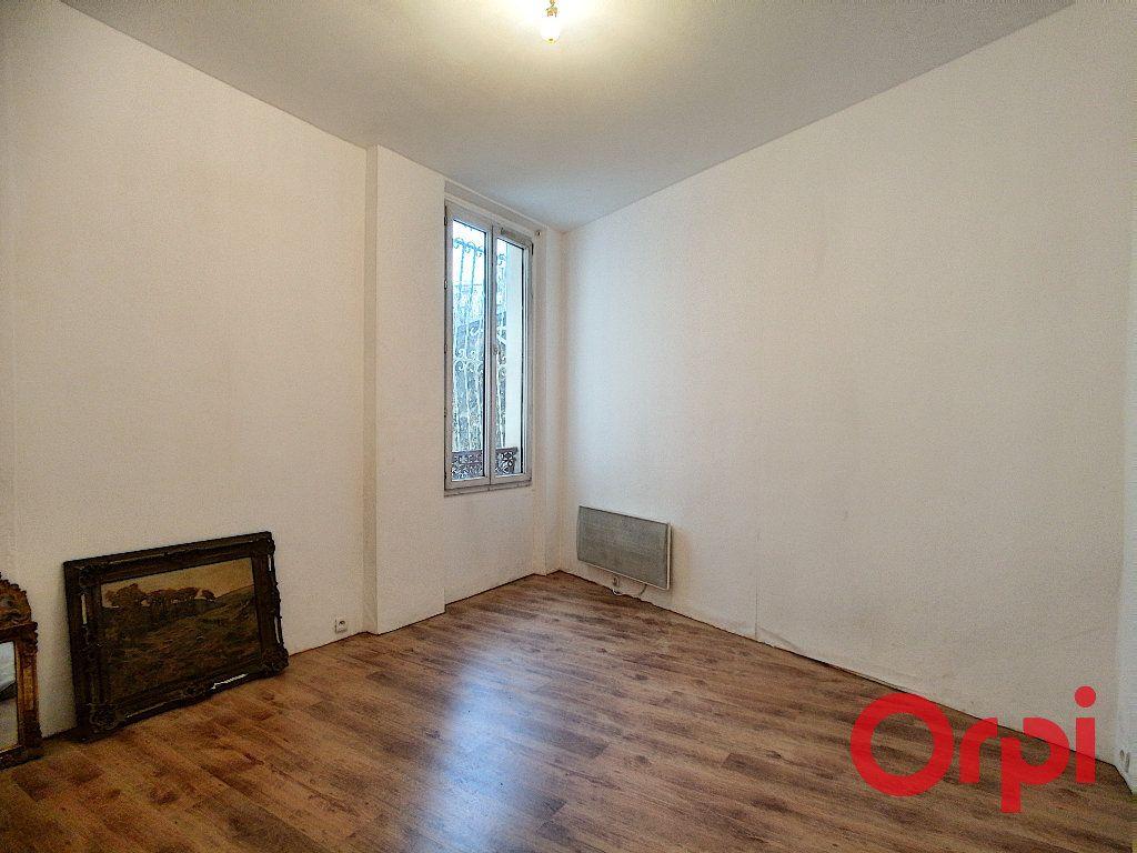 Appartement à vendre 4 66.05m2 à Issy-les-Moulineaux vignette-4