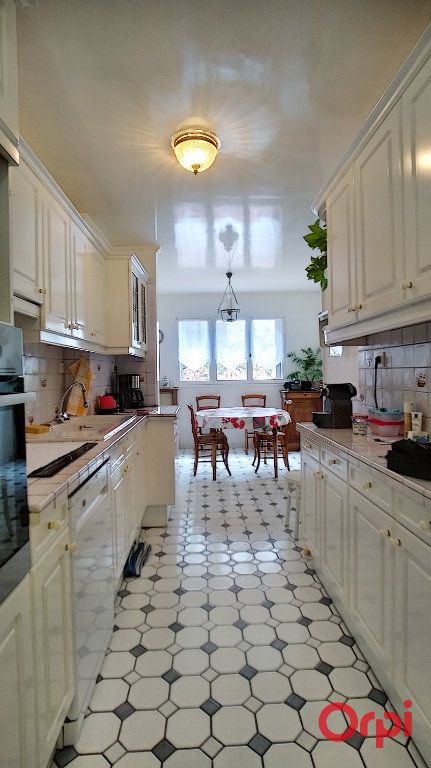 Appartement à vendre 4 114m2 à Châtenay-Malabry vignette-5