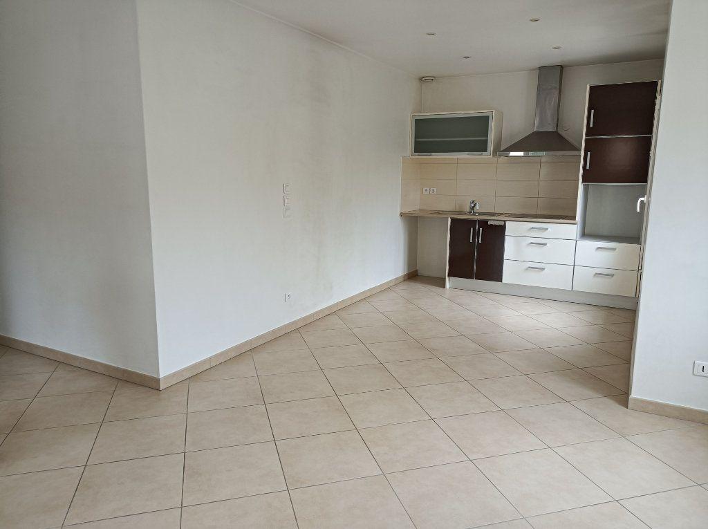 Appartement à louer 3 61m2 à Wissous vignette-2
