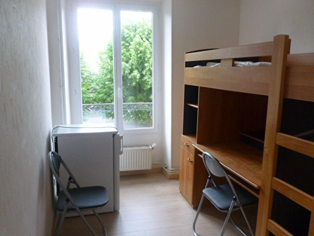 Appartement à louer 1 11m2 à Saclay vignette-1
