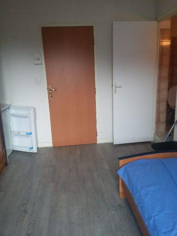 Appartement à louer 1 13.5m2 à Saclay vignette-2