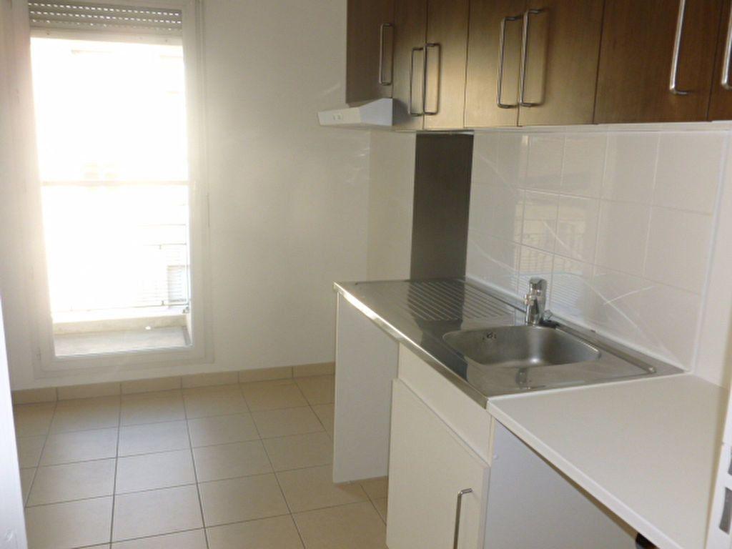 Appartement à louer 3 59.4m2 à Bures-sur-Yvette vignette-3