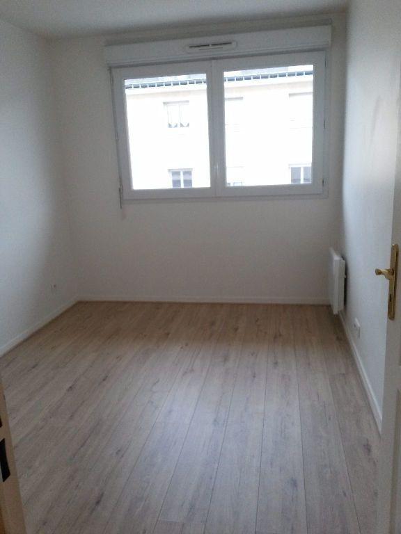Appartement à louer 3 59.4m2 à Bures-sur-Yvette vignette-5
