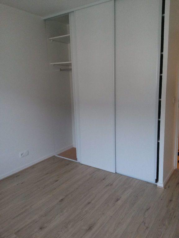 Appartement à louer 3 59.4m2 à Bures-sur-Yvette vignette-6