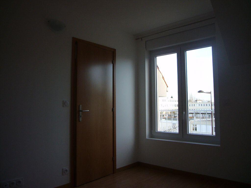 Appartement à louer 2 32.57m2 à Orsay vignette-2