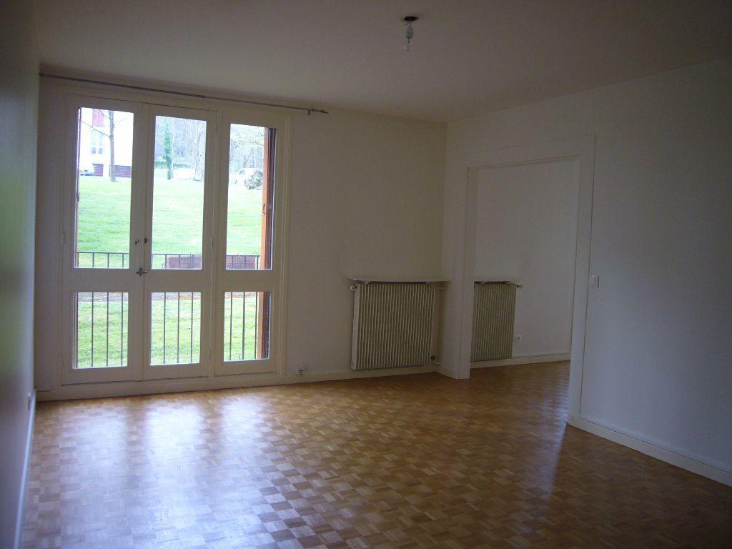 Appartement à louer 4 73m2 à Gif-sur-Yvette vignette-3