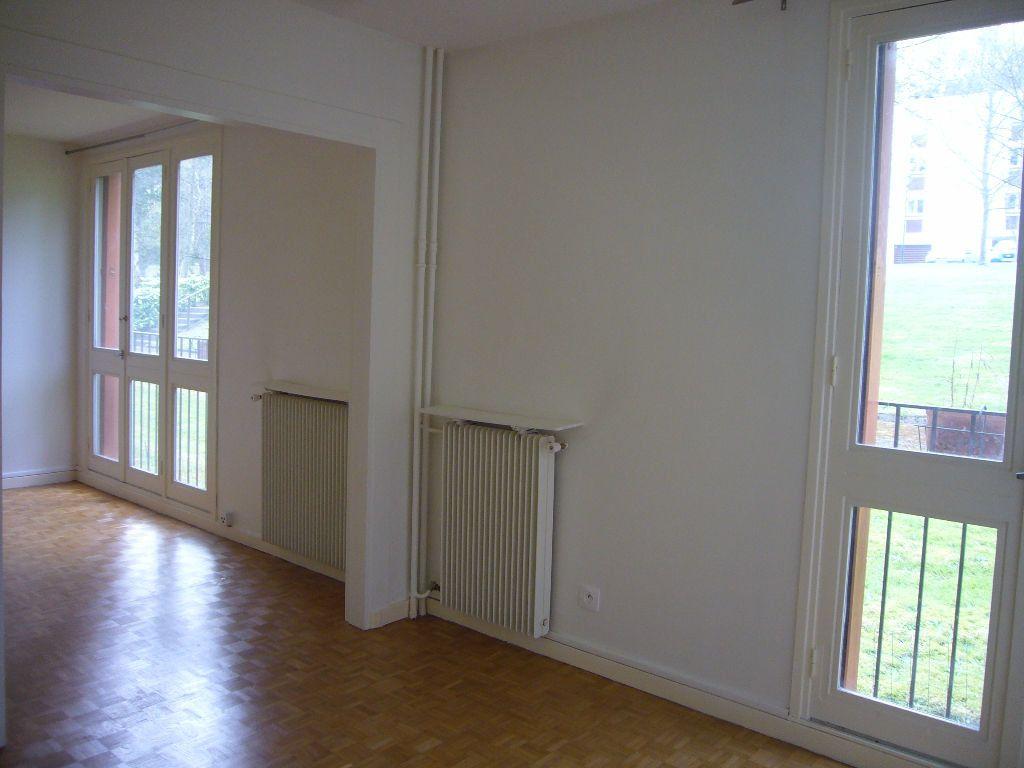 Appartement à louer 4 73m2 à Gif-sur-Yvette vignette-4